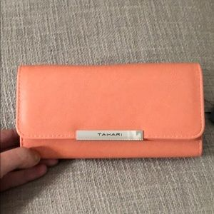 New Tahari Wallet